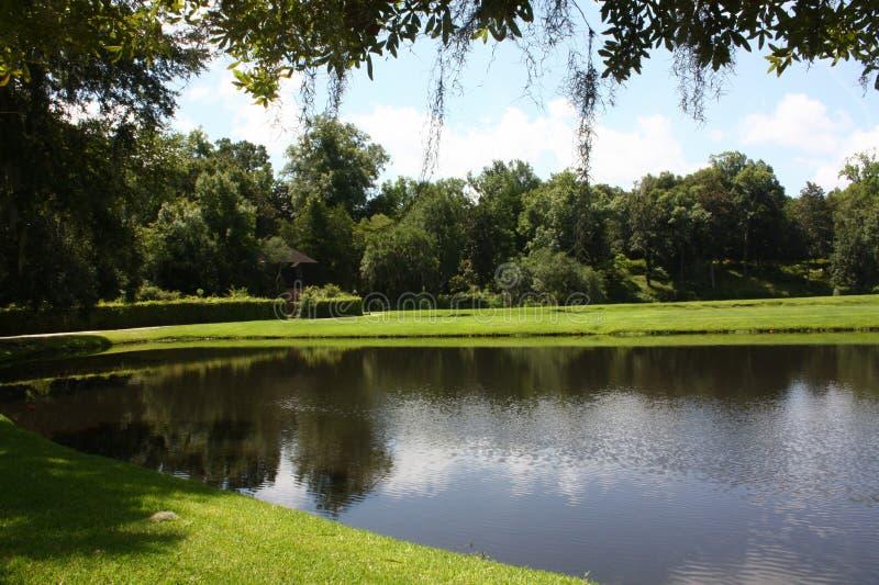 Le lac, le ciel et le nuage photo libre de droits
