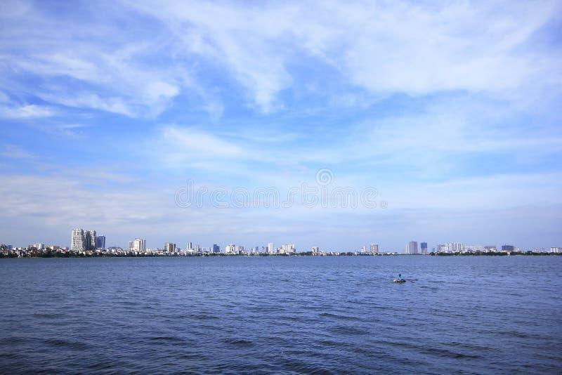 Le lac occidental est un grand lac à Hanoï image stock
