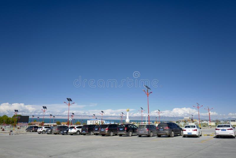 Le Lac Qinghai a placé dans la province de Qinghai sur un bassin endoréique, le Lac Qinghai est classifié comme lac salin et alca photographie stock libre de droits