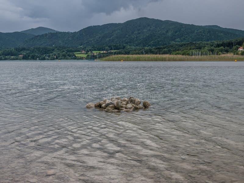 Le lac Tegernsee de montagne en Bavière, Allemagne images stock