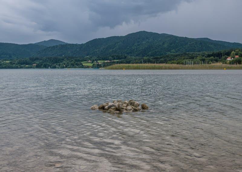 Le lac Tegernsee de montagne en Bavière, Allemagne photos stock