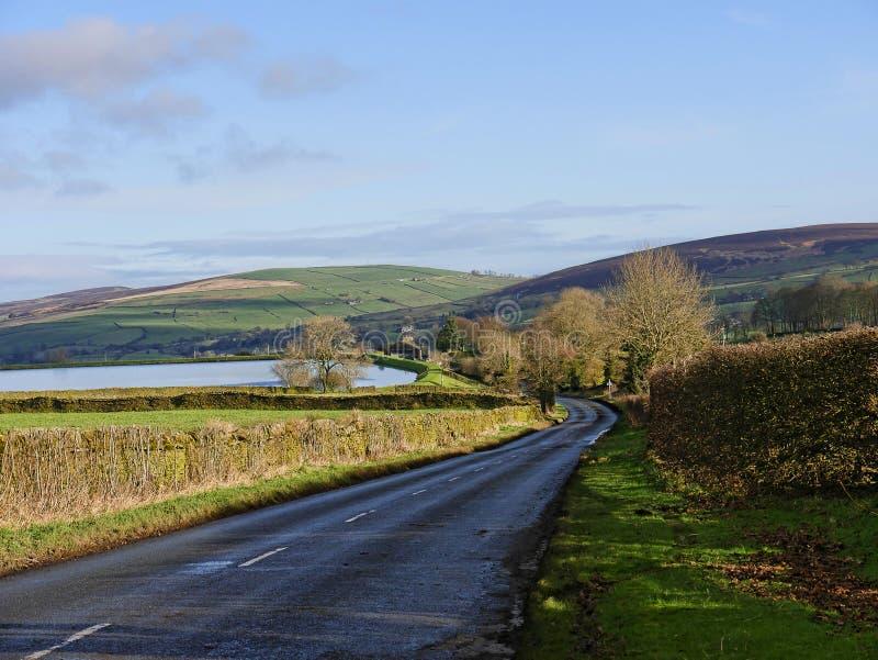 Le Lancashire est amarre sur la route à Barnoldswick dans la belle campagne à la frontière de Lancashire Yorkshire dans Nort images stock