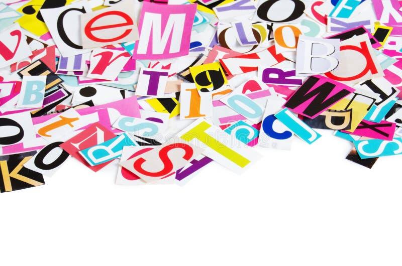 Le lettere dai giornali si chiudono in su fotografie stock libere da diritti
