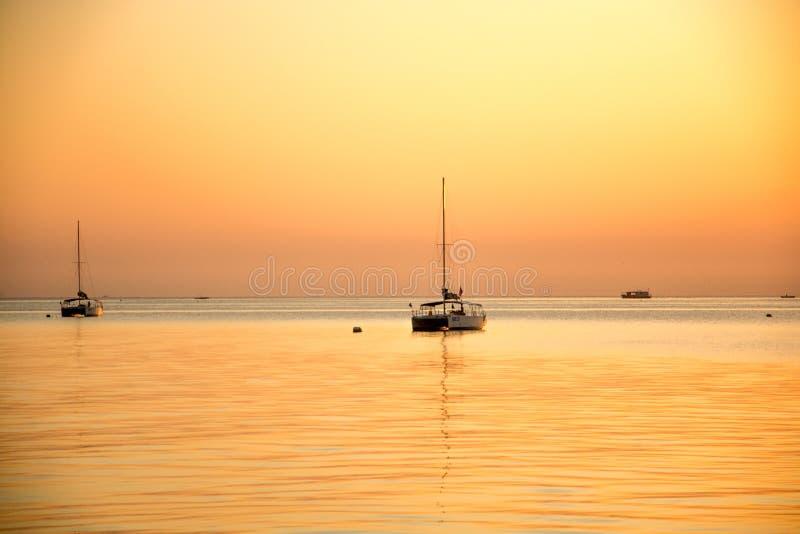 Le lever de soleil à Yantai image libre de droits