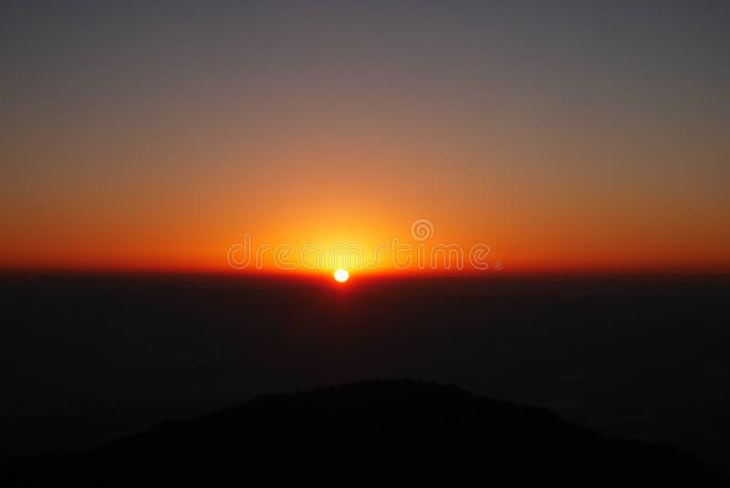 Le lever de soleil image stock