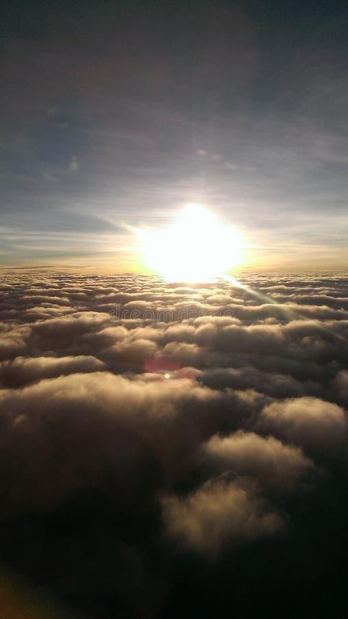 Le lever de soleil aiment le ciel photo libre de droits