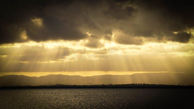 Le lght de Sun brille vers le bas pour rectifier image libre de droits