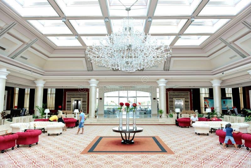 Le lobby de l'hôtel de luxe de Sharm el Sheikh de Rixos photographie stock libre de droits