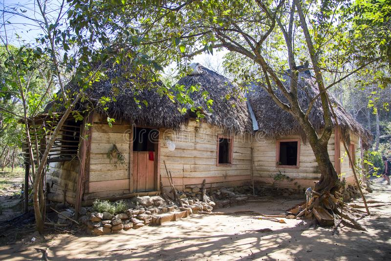 Le logement traditionnel du paysan cubain photo libre de droits