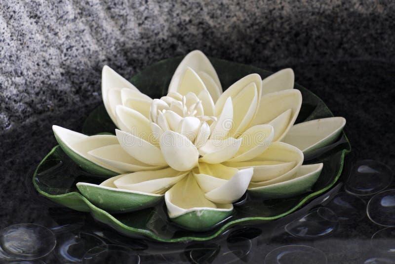 Le lotus artificiel   photos stock