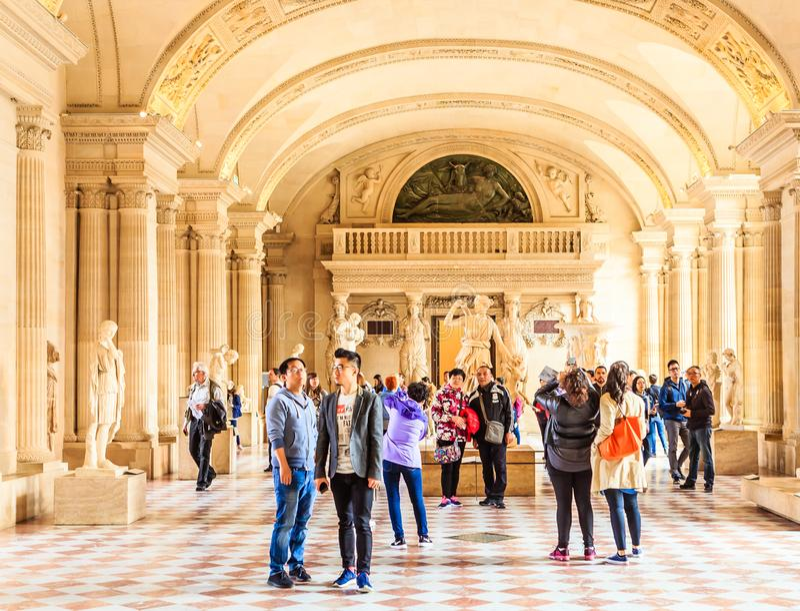 Le Louvre Hall d'art antique paris photos libres de droits