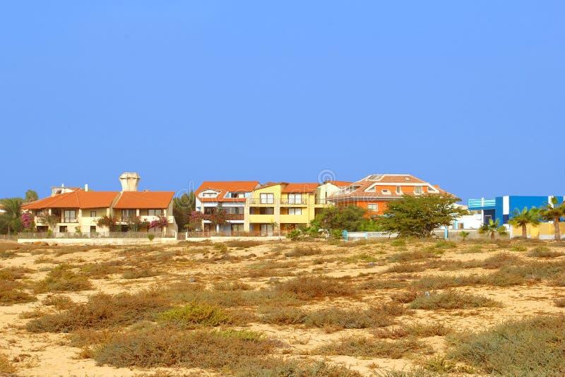 Le luxe de vue de panorama loge la plage, Santa Maria, îles de Cap Vert photo stock