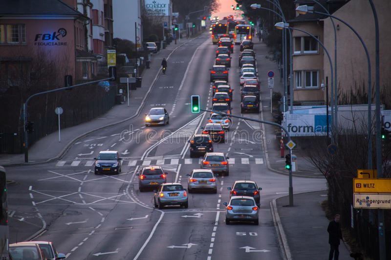 Le Luxembourg, voitures dans le trafic images stock
