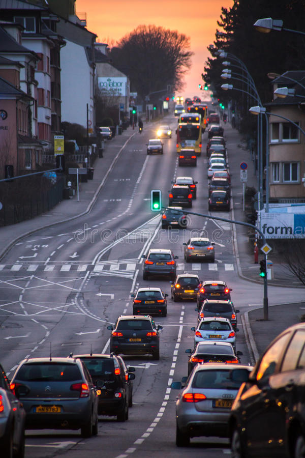 Le Luxembourg, voitures dans le trafic photo stock