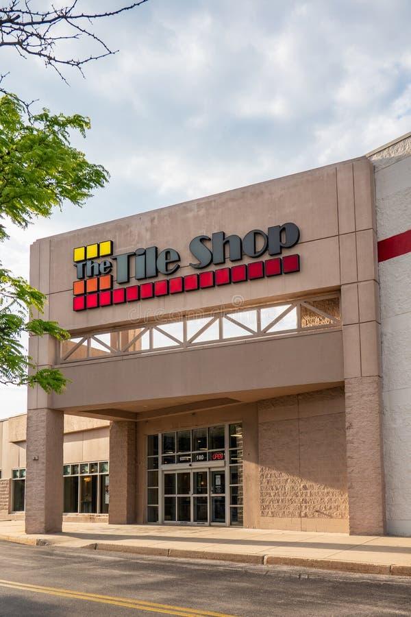 Le magasin de tuile est un détaillant de produits spécialisés image libre de droits