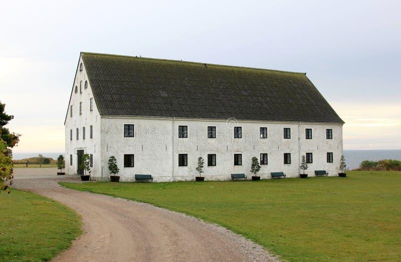 Le magasin du négociant historique dans Smygehuk, Suède images stock