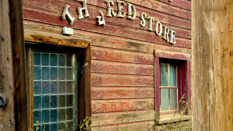 Le magasin rouge photo libre de droits