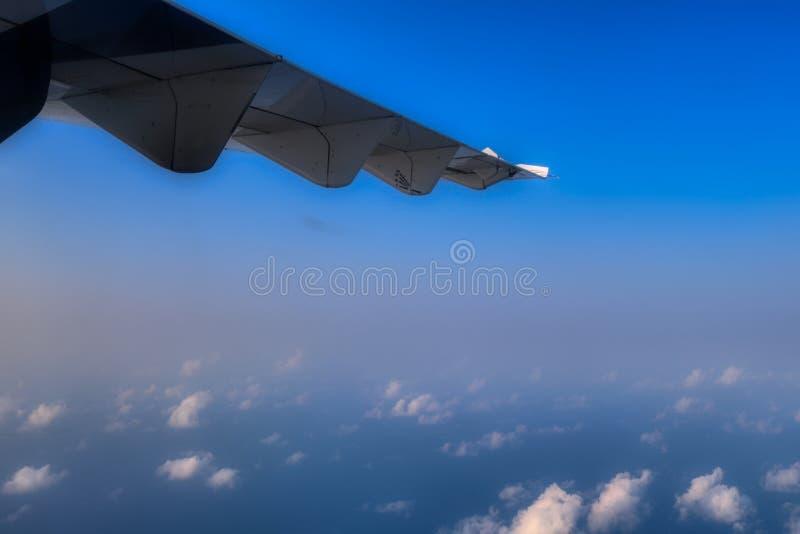 Le Maldive sopra le nuvole fotografia stock libera da diritti