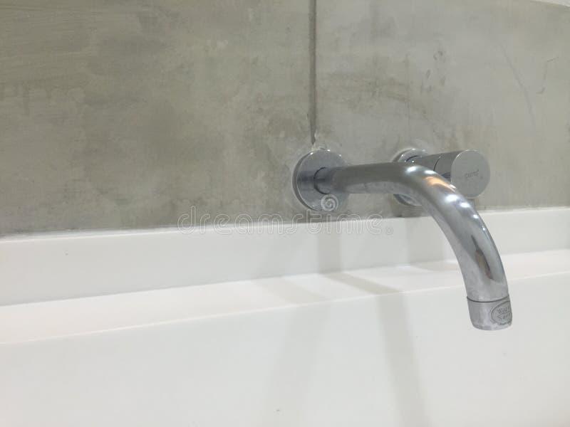 Le mani del lavaggio fotografia stock libera da diritti