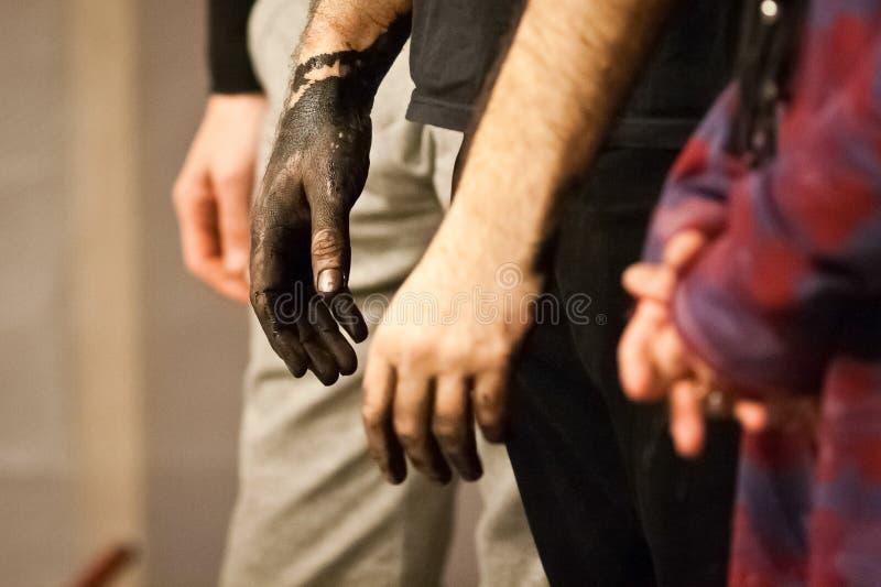 Le mani sporche di Giulio Masieri fotografia stock libera da diritti