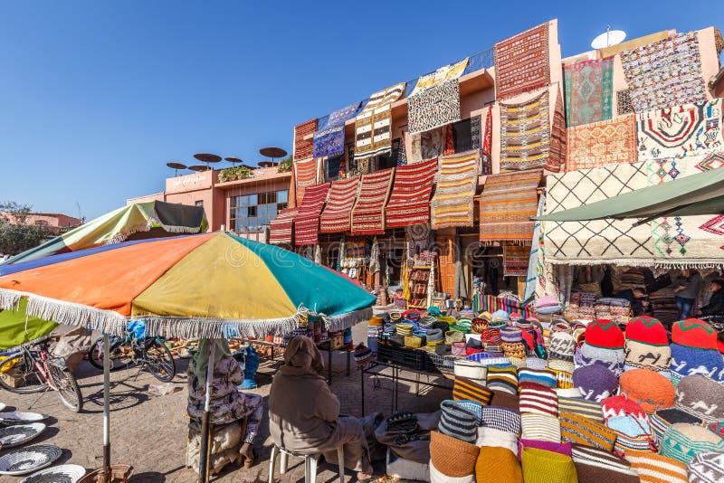 Le marché berbère de la médina de Marrakech photographie stock