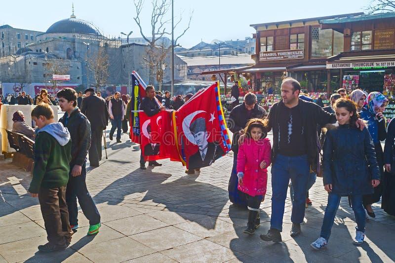 Le marché bruyant à Istanbul images libres de droits