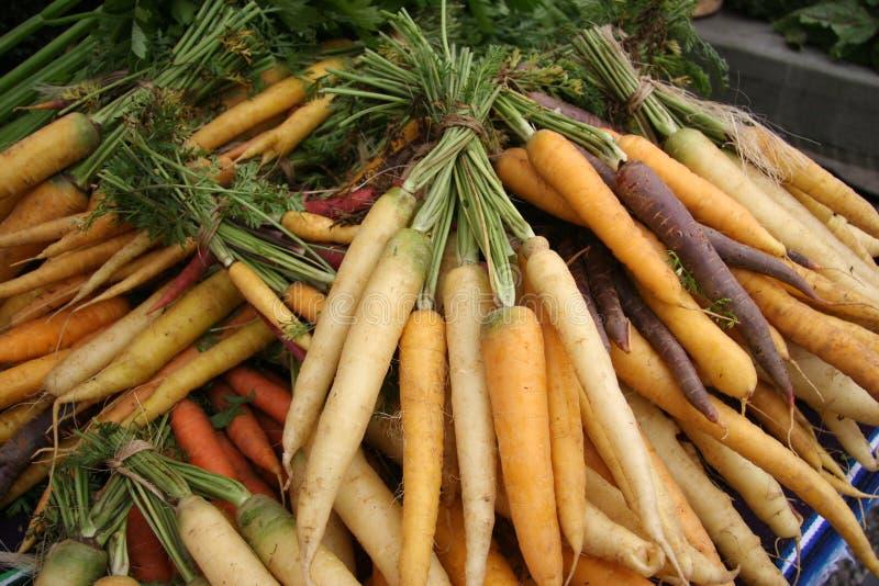 Le marché/carottes de l'agriculteur photographie stock
