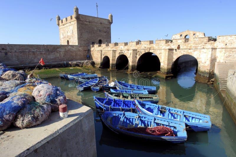 Le Maroc, Essaouira : bateaux de pêche images stock