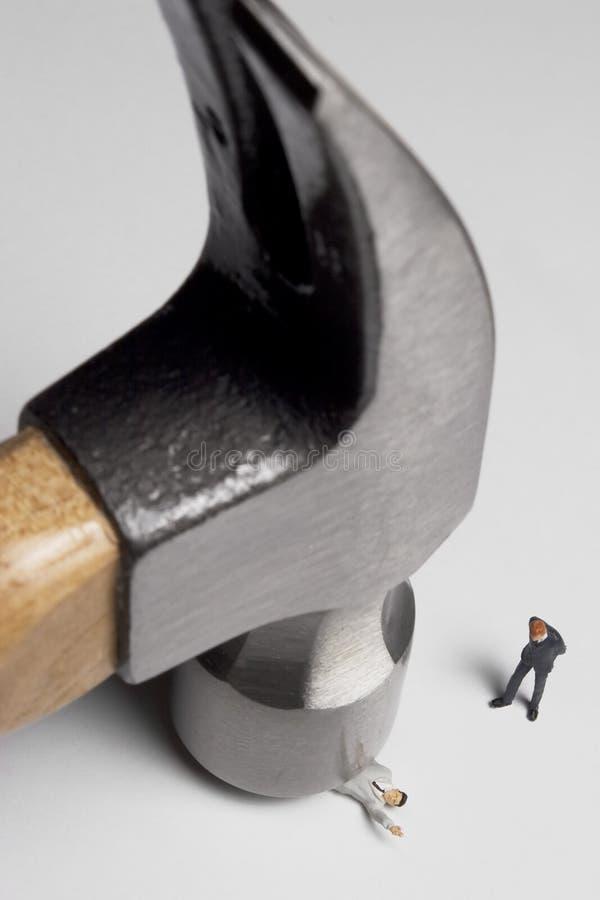 Le marteau descend images stock