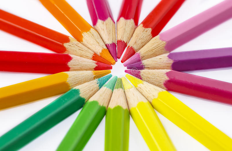Le matite colorano su fondo bianco fotografia stock libera da diritti
