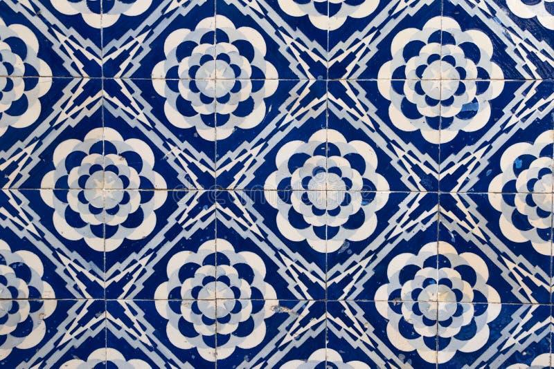 Le mattonelle modellano di una costruzione nel Portogallo immagine stock