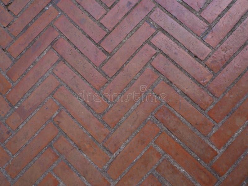 Le mattonelle rosse hanno messo sul corridoio immagine stock libera da diritti