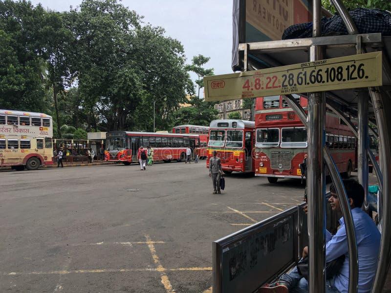 Le MEILLEUR autobus au maharashtra INDE de Mumbai de jardin de VT Bhatia Udyan de CSMT photos stock