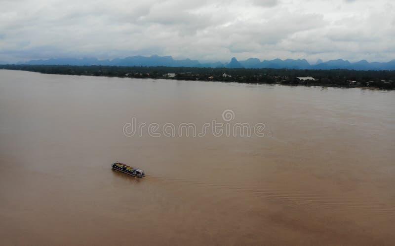 Le Mekong le plateau tibétain que la rivière fonctionne par la province du ` s Yunnan de la Chine, Myanmar, du Laos, de Thaïlande photographie stock