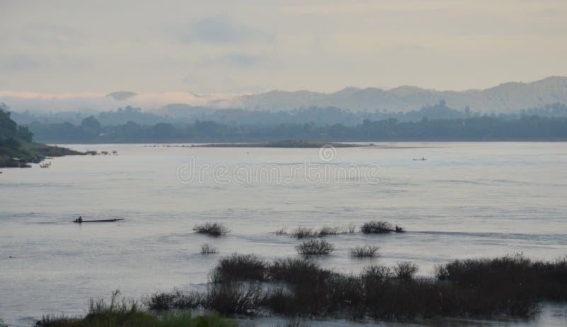Download Le Mekong Sur Le Coucher Du Soleil En Thaïlande Photo stock - Image du onde, horizon: 56476546