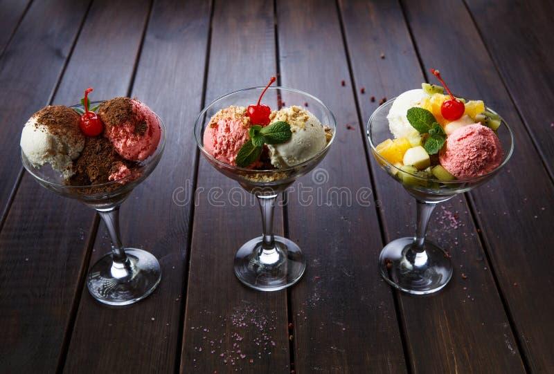 Le menu de dessert pour des restaurants et des cafés image stock