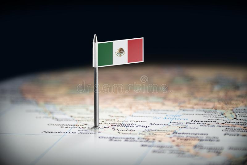 Le Mexique a identifié par un drapeau sur la carte photographie stock libre de droits