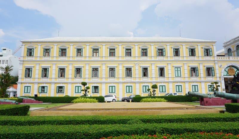 Le ministère de la Défense le bâtiment à Bangkok images libres de droits