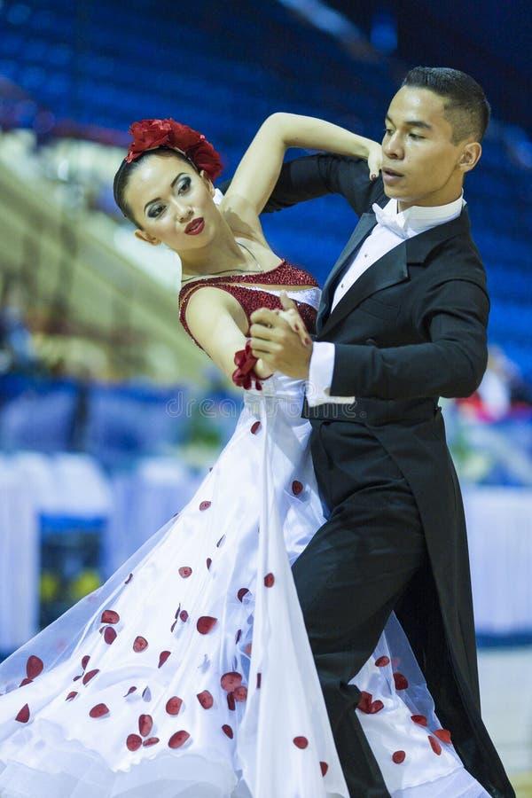 Le Minsk-Belarus, le 5 octobre 2014 : Danse professionnelle non identifiée image libre de droits