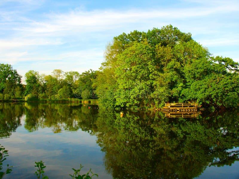 Le miroir de la nature photographie stock