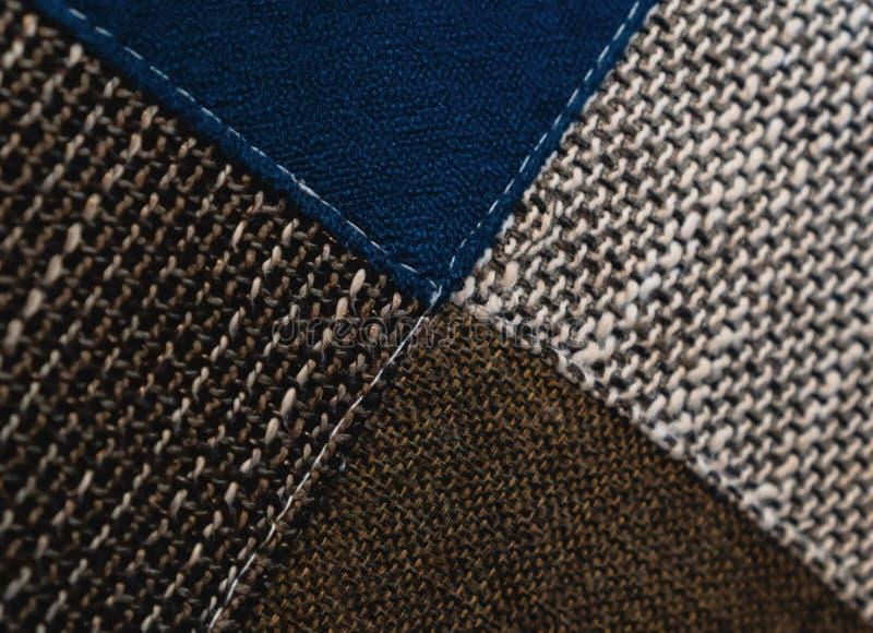 Le modèle coloré de tissu peut être employé pour le fond images libres de droits