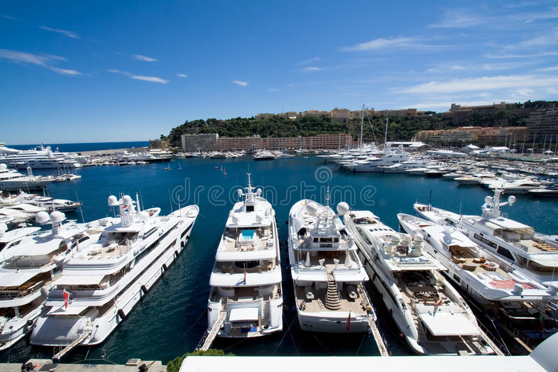 Le Monaco fait de la navigation de plaisance le port images libres de droits