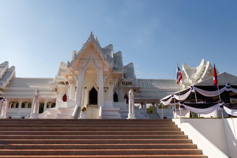 Le monastère thaïlandais royal dans Lumbini images stock
