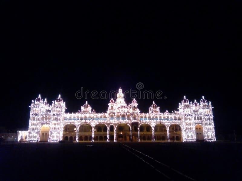 Le monde de palais de Mysore est de belles lumières image libre de droits