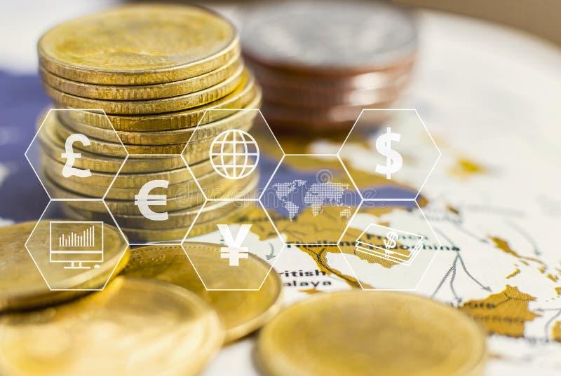 Le monete impilano con l'icona virtuale sulla tavola Il concetto di commercio mondiale finanziario o di crescita, di affari illustrazione vettoriale