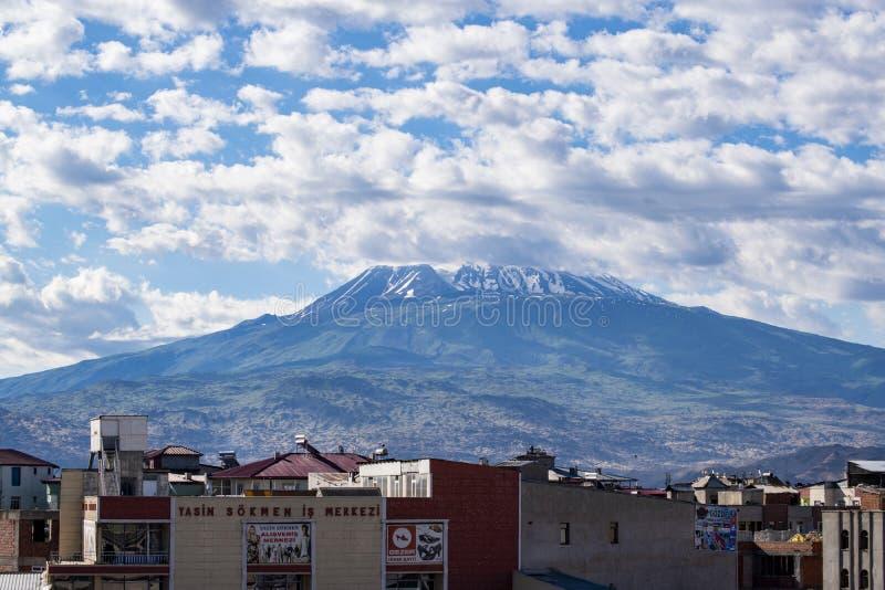 Le mont Ararat, Agri Dagi, montagne, horizon, volcan, Igdir, Turquie, Moyen-Orient, paysage, vue aérienne, Noé, arche photo stock