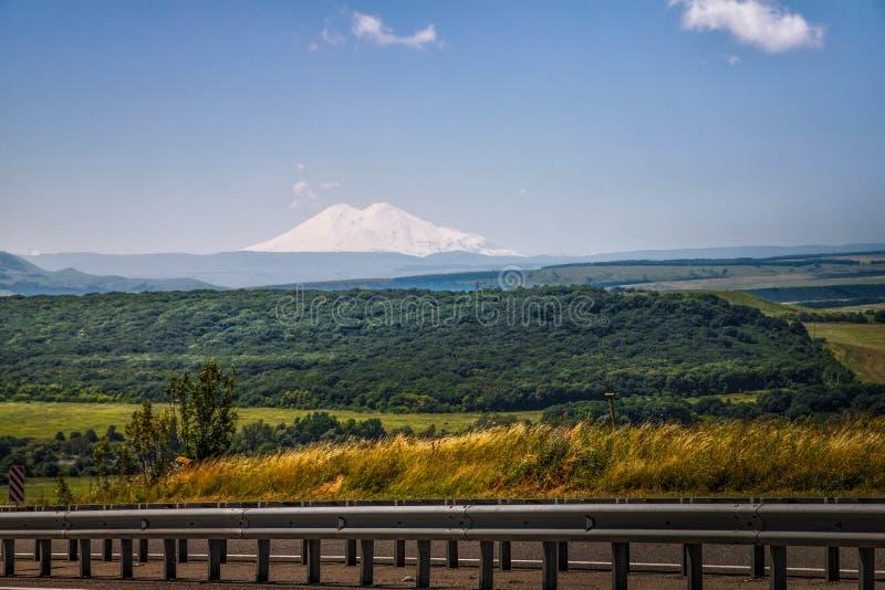 Le mont Elbrouz photo libre de droits