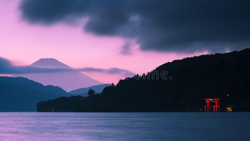 Le mont Fuji et porte de Torii photos libres de droits