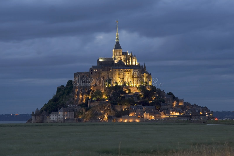 Download Le Mont St Michel stock image. Image of reflection, peninsula - 5813857