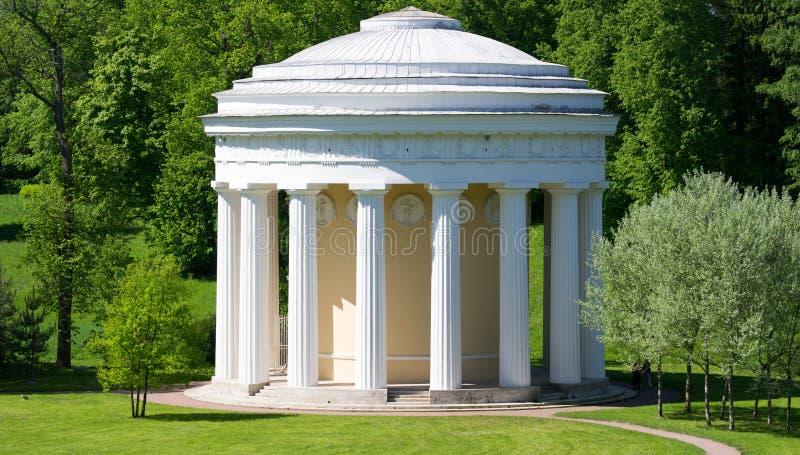 Le monument architectural dans la ville de Pavlovsk, Russie photographie stock libre de droits